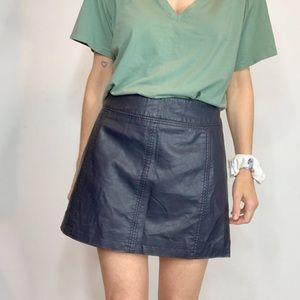FREE PEOPLE vegan leather mini skirt navy